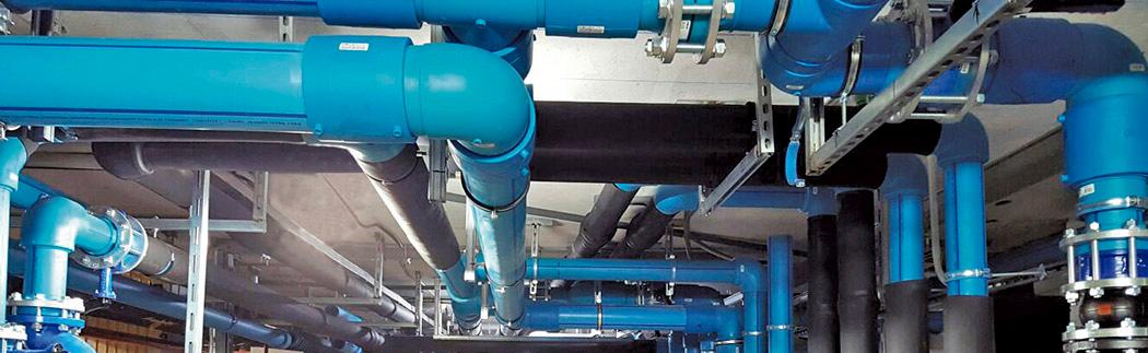 Instalacion-tuberias-polipropileno-en-entorno-tecnico-hotelero