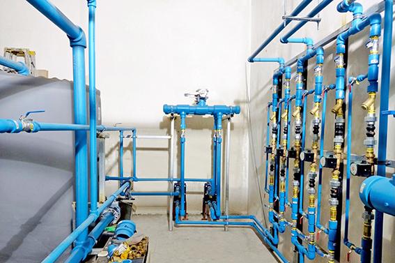 Instalacion_de_agua_caliente_con_sistema_niron_fiber_blue_de_polipropileno